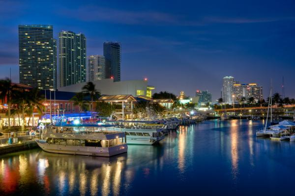 Best Miami Best Restaurants with waterfront views.